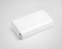 Weißes Seifenverpackungs-Kastenpaket auf Grau Stockfoto