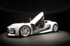 Weißes Sportauto Stockfotos