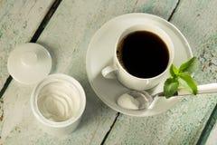 Weißes Steviapuder und -kaffee lizenzfreies stockbild