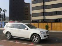 Weißes SUV Mercedes-Benz GL 450 in Miraflores, Lima Lizenzfreie Stockbilder