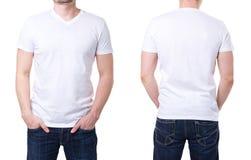 Weißes T-Shirt auf einer Schablone des jungen Mannes Stockfoto