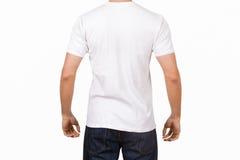 Weißes T-Shirt auf jungem Mann Lizenzfreie Stockfotos