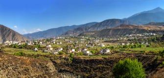 Weißes tibetanisches Tal in einer besten Besichtigung 100 und in einer Fotografie Stockfotos