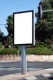 Weißes unbelegtes Straßenschild Lizenzfreies Stockbild