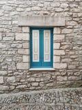 Weißes und blaues Fenster Lizenzfreie Stockbilder