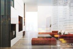 Weißes und schwarzes Wohnzimmer, Fernsehen, rotes Sofadoppeltes Lizenzfreie Stockfotografie