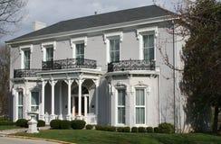 Weißes viktorianisches Haus Stockbild