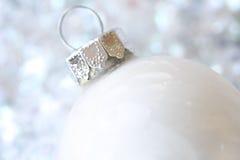 Weißes Weihnachtsverzierung stockfoto