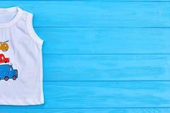 Weißes zufälliges T-Shirt des Babys Lizenzfreie Stockbilder
