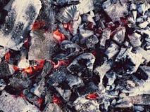 Weißglühender Kohlehintergrund Stockfotos