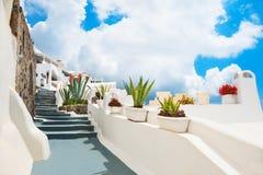 Weiße Architektur auf Santorini-Insel, Griechenland stockbilder