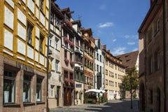 Weißgerbergasse (de Steeg van Looiers) in Nuremberg, Duitsland, 2015 Royalty-vrije Stock Fotografie