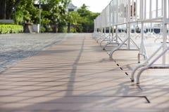 Wei?e Barrikade im Stadtbildfoto stockfoto