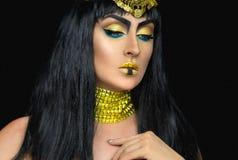 Weibliche Aufstellung Kleopatra im Studio Stockfotos