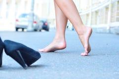 Weibliche bloße Füße Stockbilder