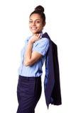 Weibliche Exekutive mit dem Mantel umschlungen über ihre Schulter lizenzfreie stockbilder
