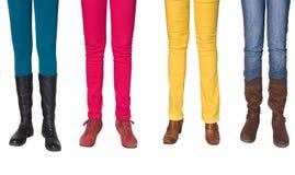 Weibliche Fahrwerkbeine und Schuhe Lizenzfreies Stockbild