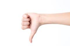 Weibliche Hand, welche die Geste mit dem Finger der Haube unten lokalisiert auf weißem Hintergrund anzeigt Stockfotos