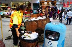 Weibliche Hygienearbeitskräfte Stockfoto