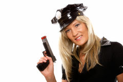 Weibliche Polizei des Porträts mit dem Gewehr lokalisiert Lizenzfreie Stockfotografie