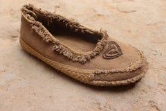 Weibliche Schuhe Amazigh, sind traditionelles Braunes und herrlich lizenzfreies stockbild