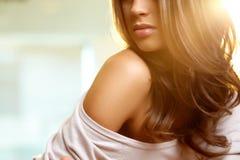 Weibliche Schulter stockfotografie
