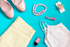 Weibliche Sommerkleidungssammlung in den Pastellfarben, romantische Art Lizenzfreies Stockfoto