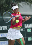Weibliche Tennisathleten des Indonesiers Ayu Fani Damayanti im actio Stockbilder