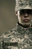 Weiblicher AMERIKANISCHE Armee-Soldat Lizenzfreie Stockfotos