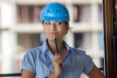 Weiblicher Architekt an einer Baustelle Stockfotos