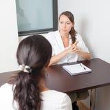 Weiblicher Arzt für Allgemeinmedizin Stockfotografie
