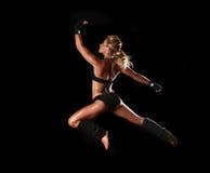 Weiblicher Bodybuilder mit schönem Formular Stockfoto