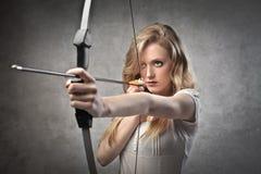 Weiblicher Bogenschütze Lizenzfreie Stockfotografie