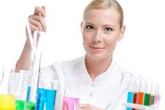 Weiblicher Chemiker Stockfotos