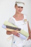 Weiblicher Dekorateur stockbilder