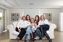 Weiblicher Familienspaß Stockbild
