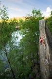 Weiblicher Felsen-Bergsteiger Stockbilder