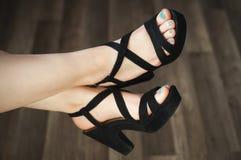 Weiblicher Fuß mit Pediküre Stockfotos