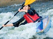 Weiblicher Kayaker Lizenzfreie Stockfotos