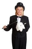 Weiblicher Magier mit Kaninchen Stockfotografie