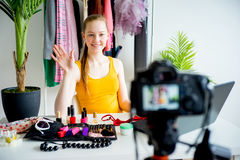 Weiblicher Make-up Blogger Lizenzfreie Stockfotografie