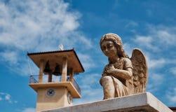 Weiblicher MarmorierungAngel Figure auf griechisch-orthodoxer Kirche, Griechenland stockbilder
