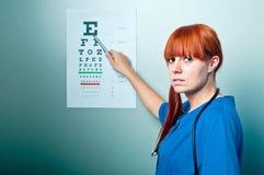 Weiblicher Oculistdoktor Stockfoto