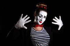 Weiblicher Pantomimekünstler stockbild
