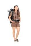 Weiblicher Reisender mit dem Wandern der Ausrüstung Lizenzfreie Stockfotografie