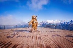 Weiblicher Schneemann auf dem Rosa Peak-Standpunkt Stockfoto