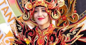 Weiblicher Teilnehmer von Parade Asienspieles 2018 stock video footage