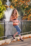 Weibliches Abiturient-Portrait Stockfotografie