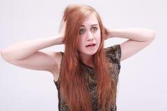 Weibliches Modell, das frustriert schaut stockfoto