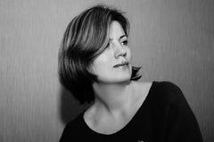 Weibliches Portrait in Schwarzweiss Stockfoto
